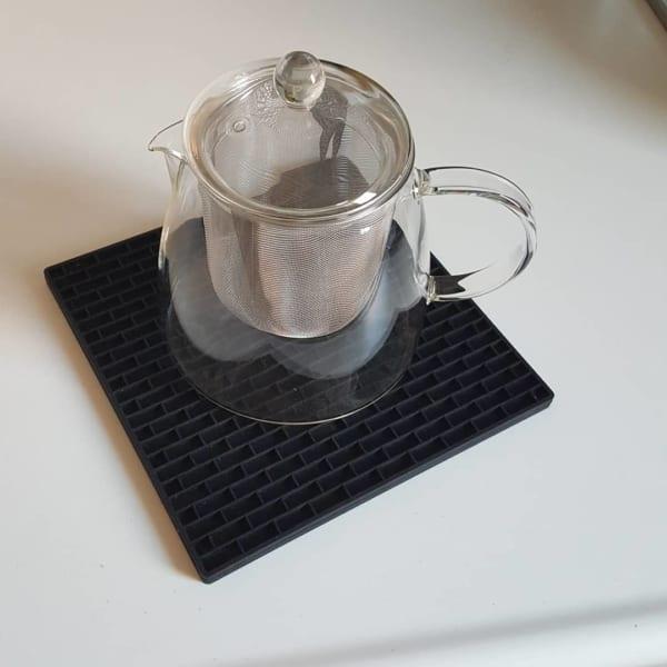 おいしい紅茶でティータイムを【ティーポット】