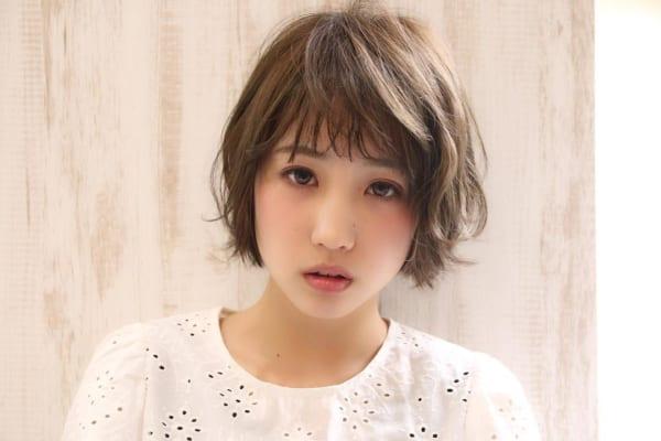 くせ毛のパーマ風アレンジ①ショートヘア