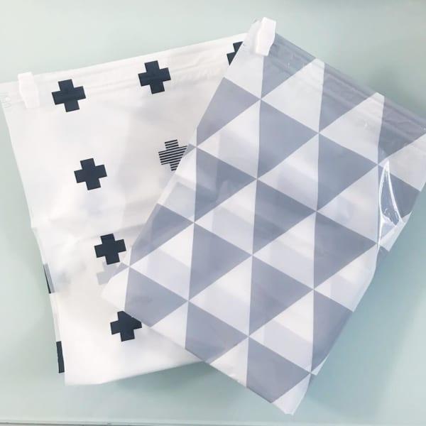 衣類用圧縮袋と衣装ケース用圧縮袋