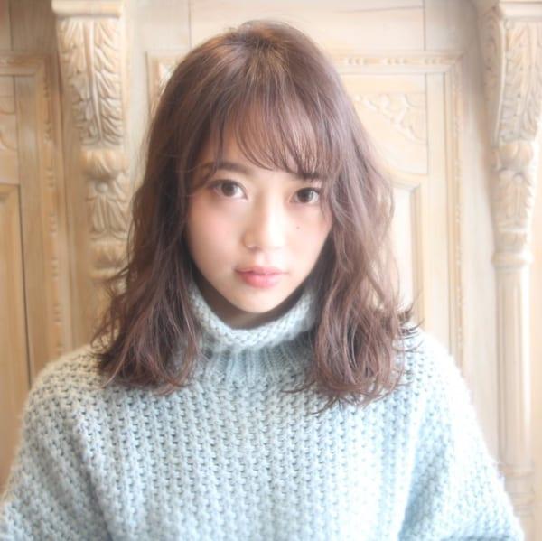 くせ毛のパーマ風アレンジ③ミディアムヘア4
