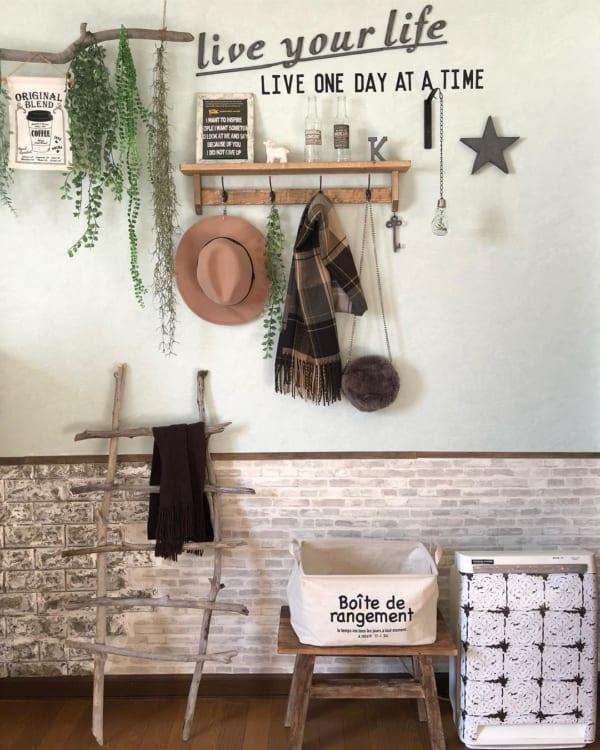 帽子の収納アイデア アンティーク風木製フック