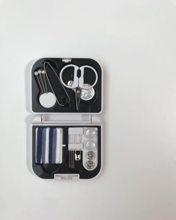 ダイソーの携帯ソーイングセット