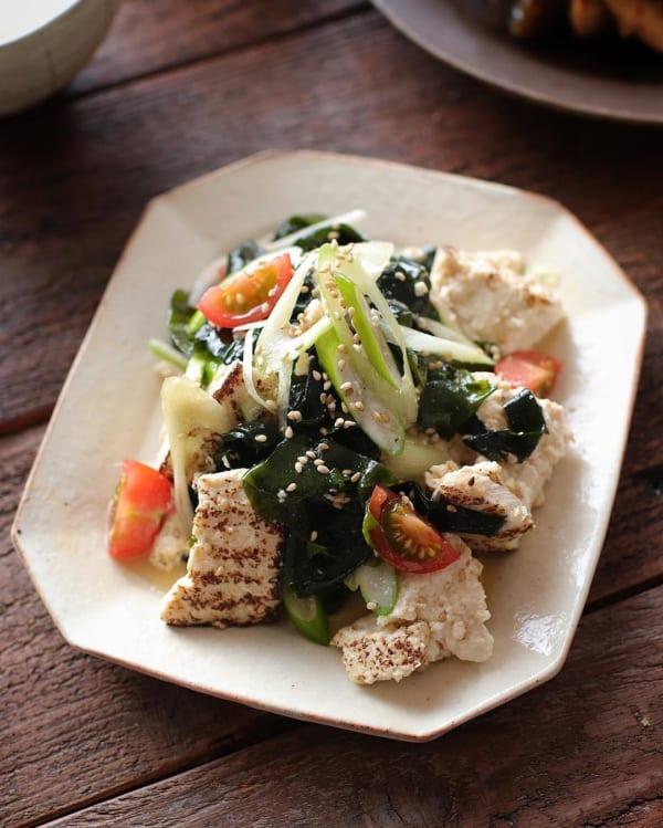 さっぱり美味しい!わかめと焼き豆腐のチョレギ和え