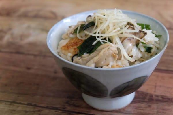 牡蠣と新わかめの炊き込みご飯