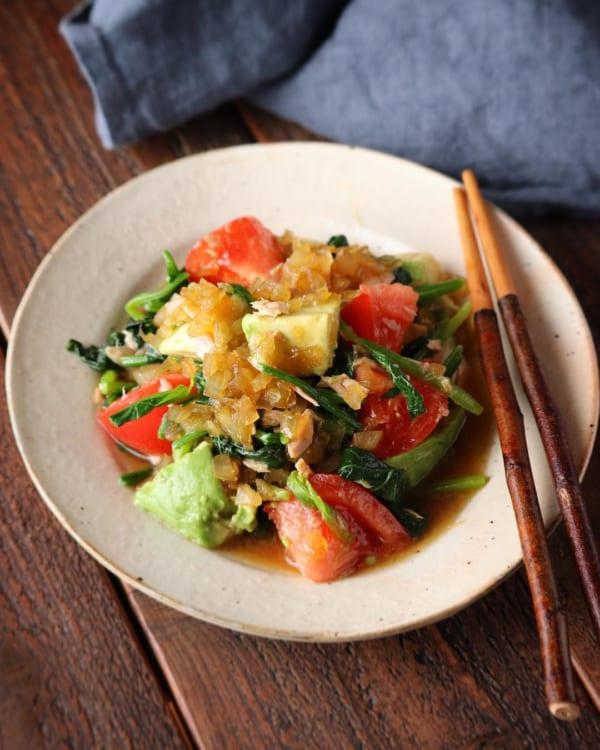 黄色野菜とアボカドのツナ和え