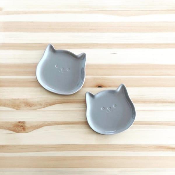 ダイソーのワンちゃん型豆皿
