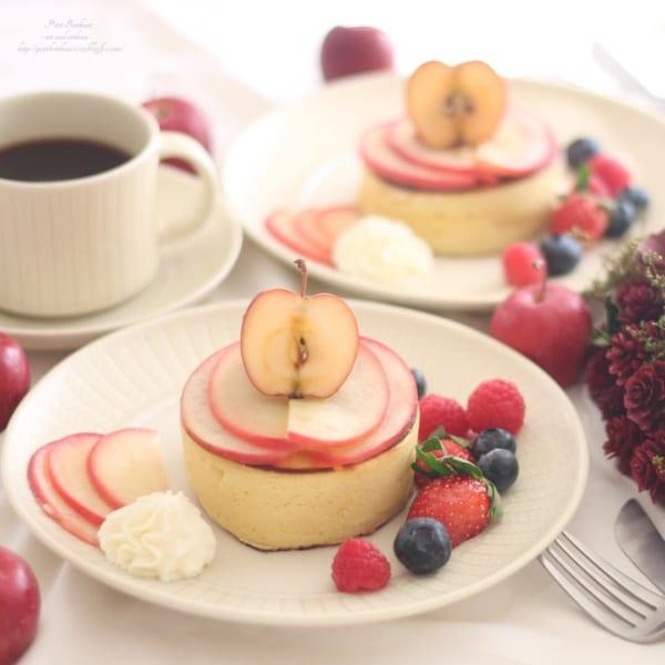 焼きりんご風味のパンケーキ