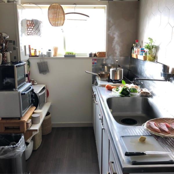古道具好きさんの素敵なキッチン:古いアパートをリノベーション