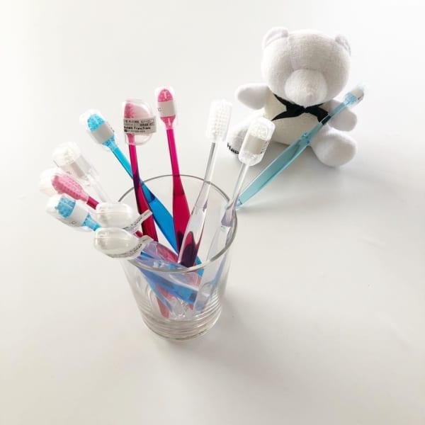 Francfranc カバー付き歯ブラシ