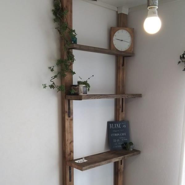 壁にはしご型に棚をDIYしてみる2