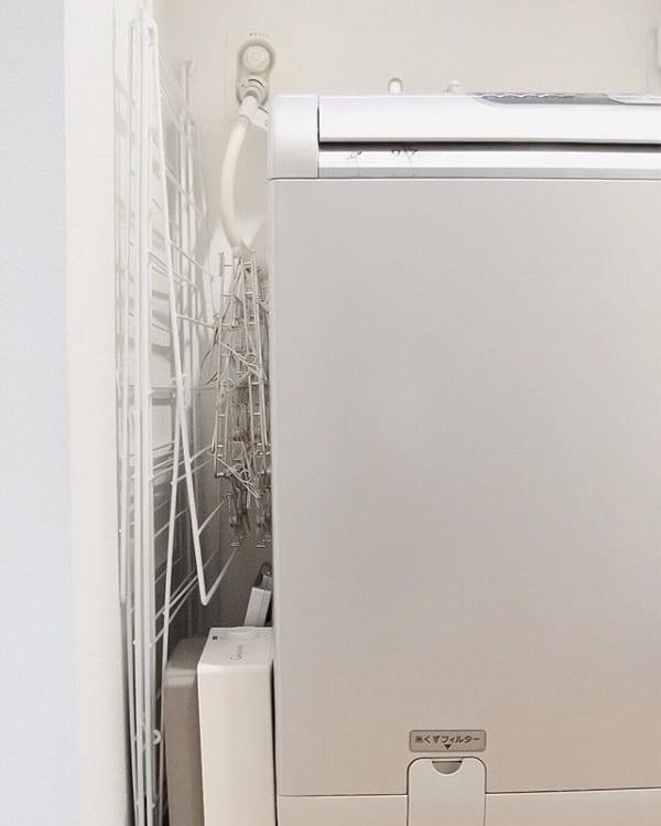 洗濯機横の隙間を利用する