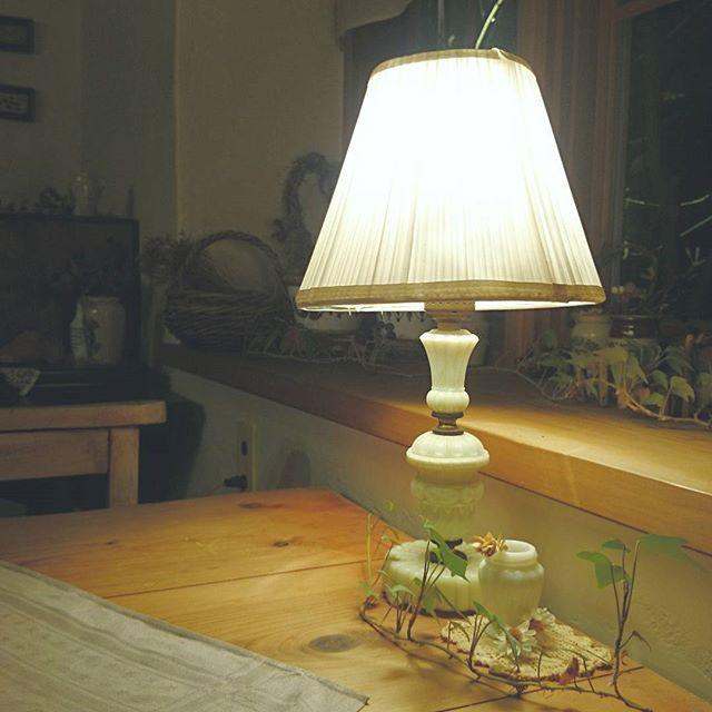 ランプシェードが印象的なランプ2