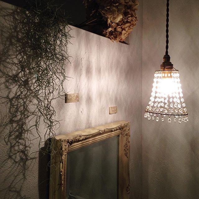 ランプシェードが印象的なランプ
