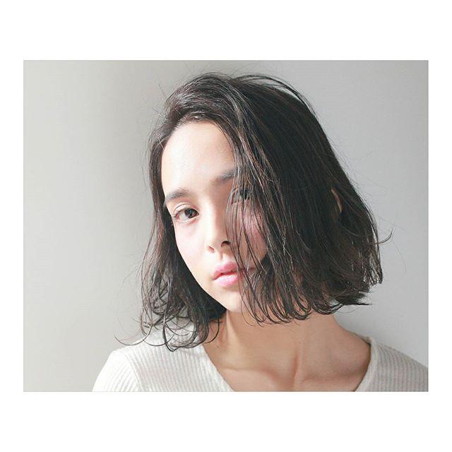丸顔×前髪なし