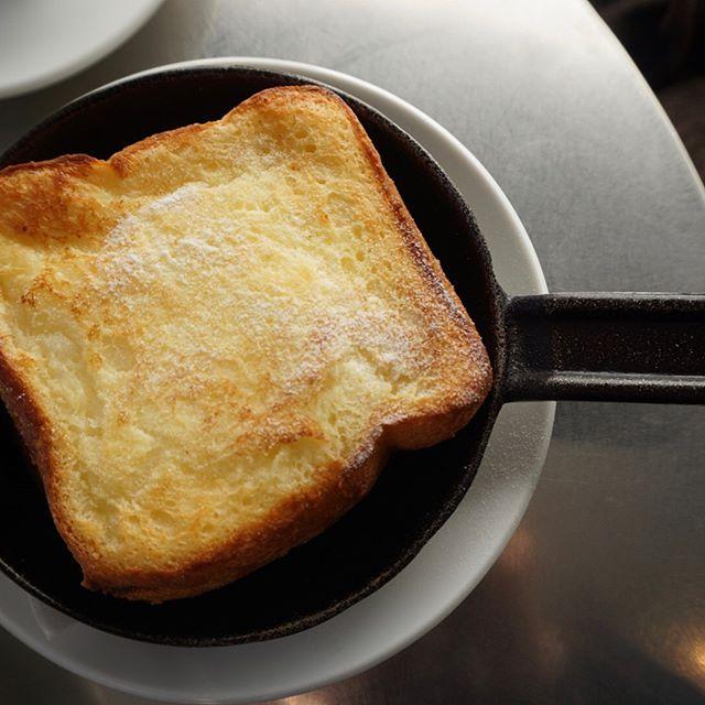 朝ごはんに食パン4