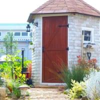 お庭に作る私だけの秘密基地!素敵なガーデンハウスをのぞき見♡