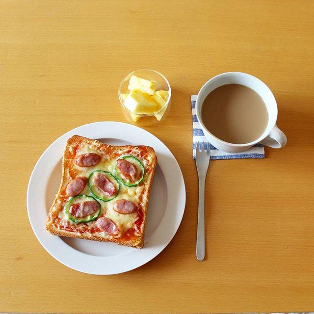 朝ごはんに食パン8