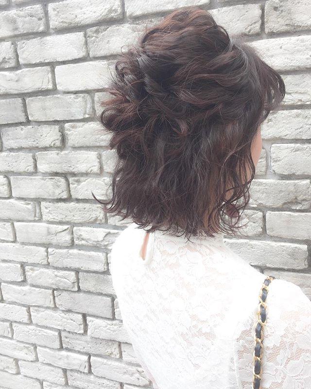 ショートボブ まとめ髪アレンジ ゆるふわハーフアップ2