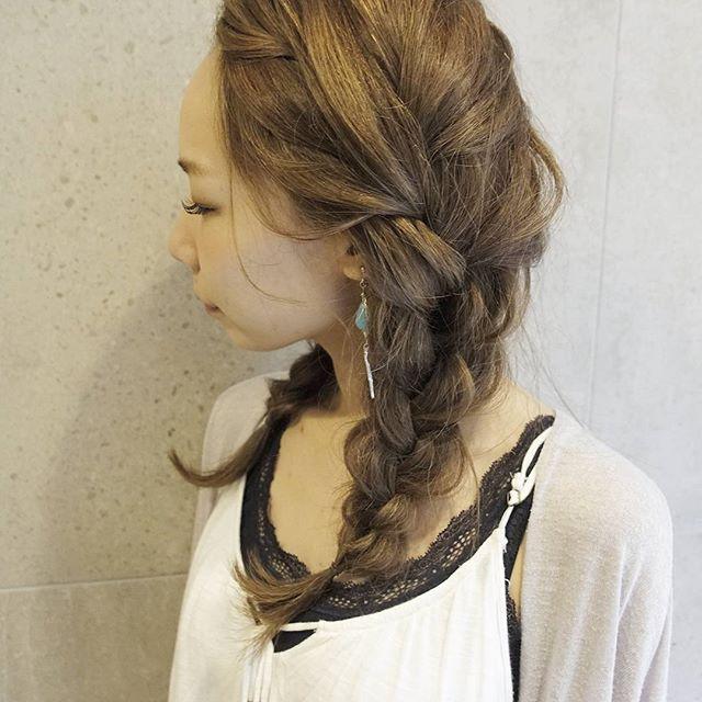 ロングヘアのまとめ髪①ポニーテール・編み込み16