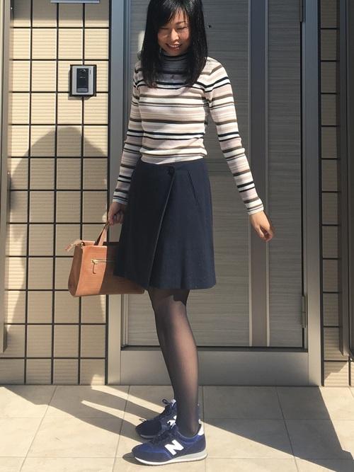 30代におすすめ【柄トップス×ミニスカート】 ネイビー