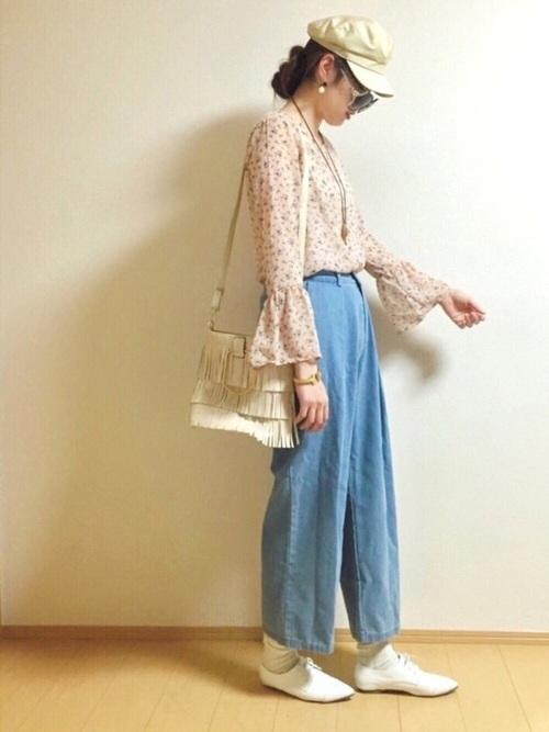 花柄トップス ピンク ライトデニムパンツ【キレカジコーデ】
