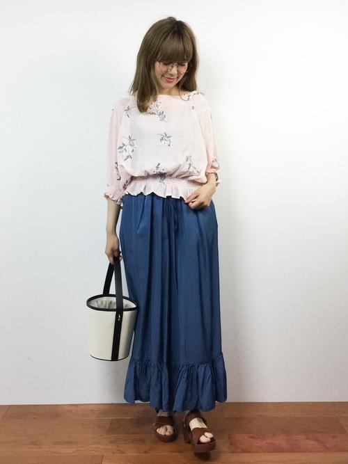 ロング丈スカート【きれいめコーデ】 花柄トップス