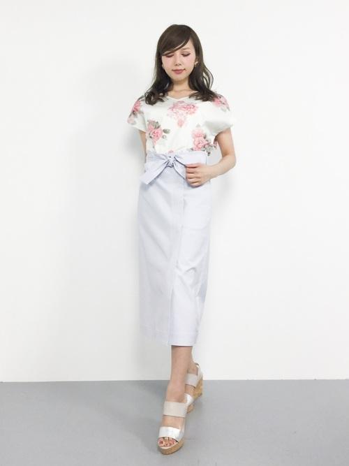 ロング丈スカート【きれいめコーデ】 花柄トップス2