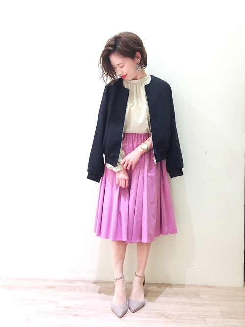 ベージュ トップス ピンク スカート2