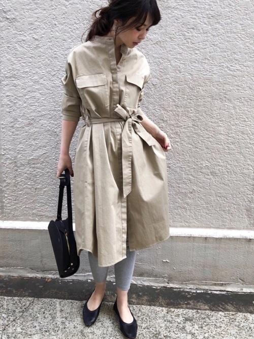 気温23度の服装 シャツワンピースコーデ