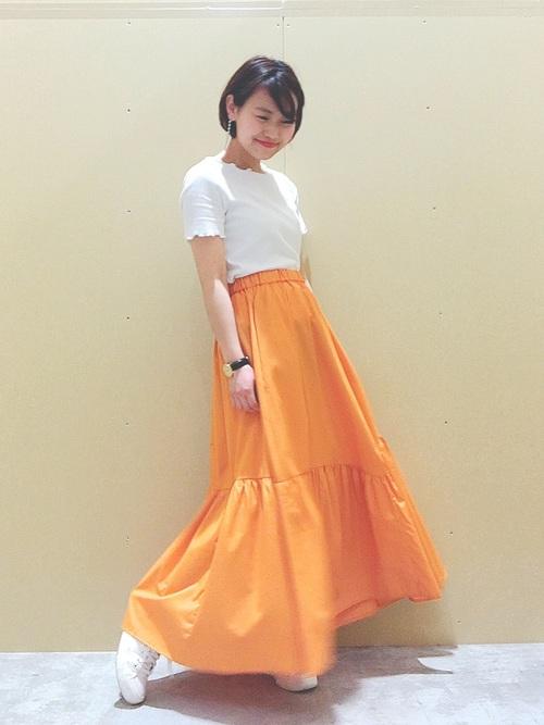オレンジティアードスカート