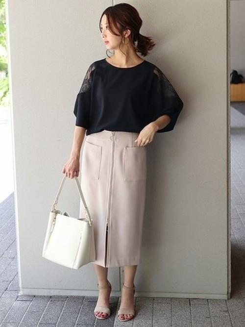 《初夏》気温27度の服装:スカートスタイル 曇り