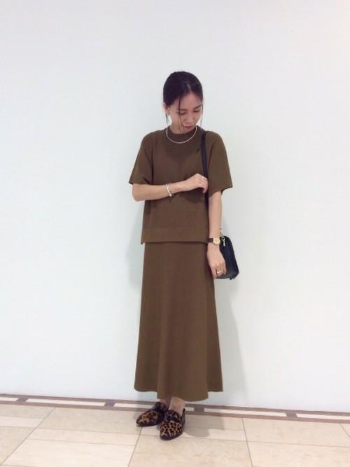 《初秋》気温27度の服装:スカートスタイル 曇り2