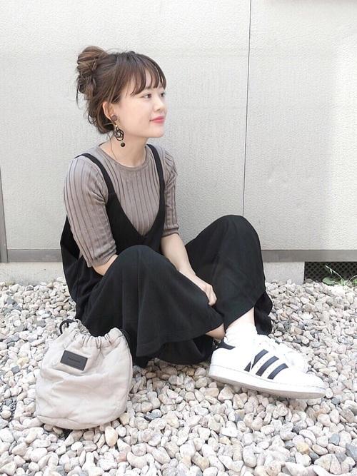 【きれいめ】スポーティー×黒サロペット