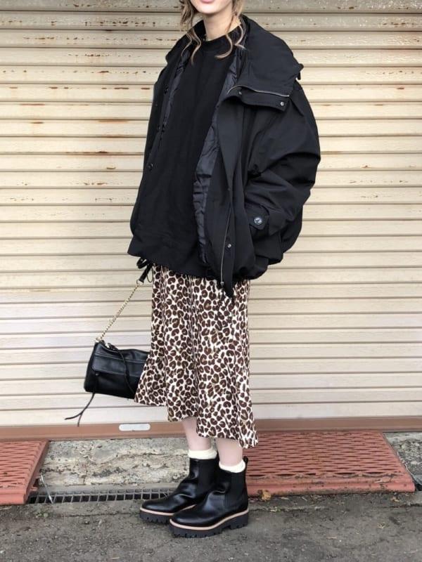 柄スカートとのトレンドコーデ