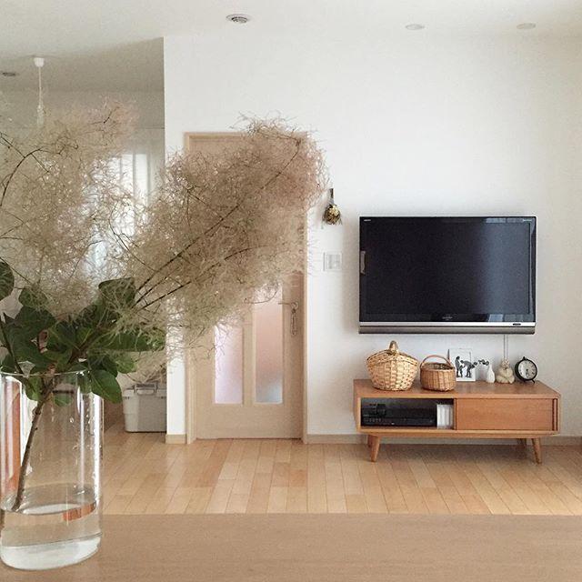 TVボードと合わせた壁掛けTV3