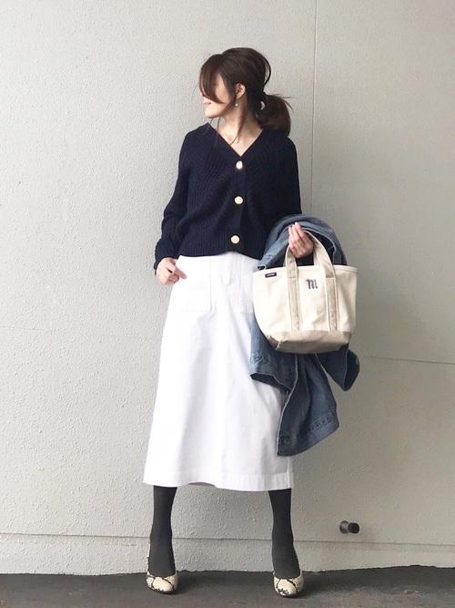 ユニクロコーデ ホワイトスカート
