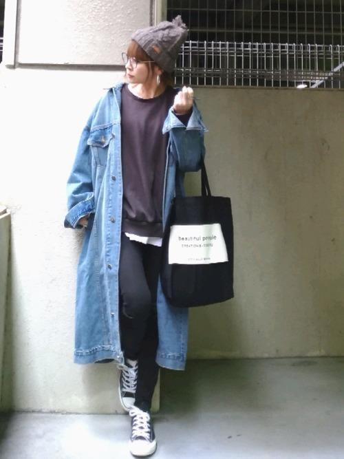 【グレーニット帽】のカジュアルコーデ2