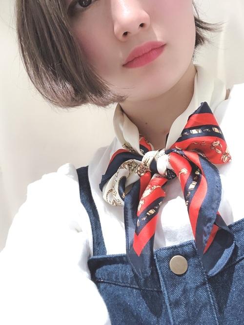 大判スカーフの巻き方2