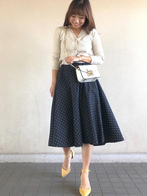 《初夏》気温27度の服装:スカートスタイル 雨