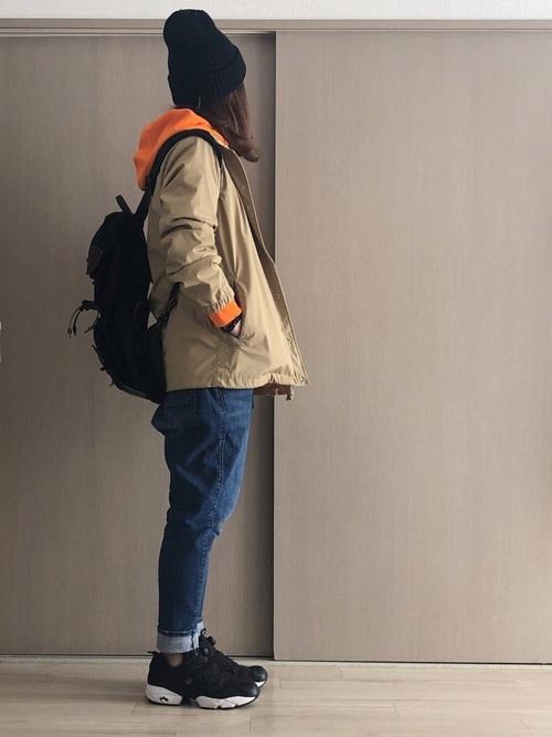 【黒ニット帽】のスポーティコーデ2