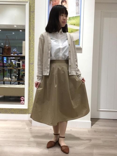 《初秋》気温27度の服装:スカートスタイル 雨2