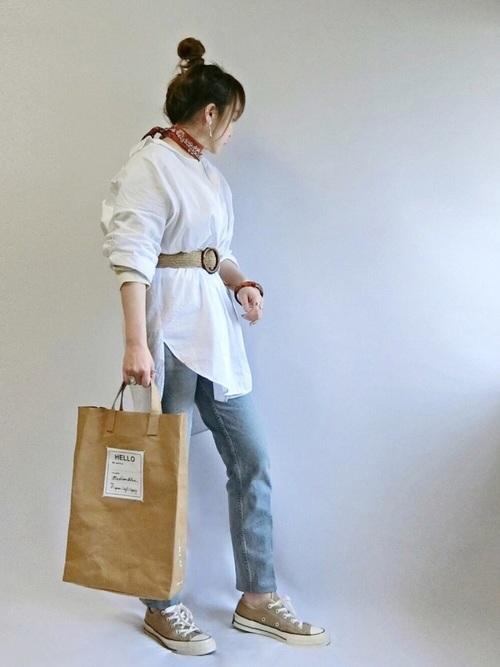 ZARAのホワイトシャツコーデ