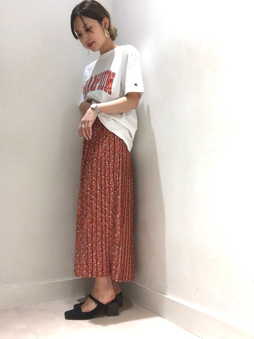 [E hyphen world gallery] 小花柄ロングプリーツスカート