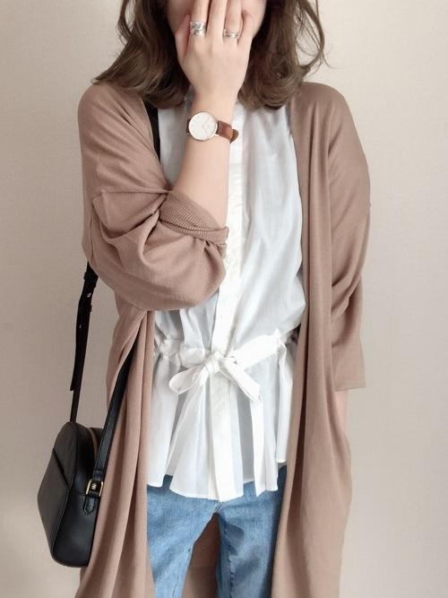 《初夏》気温27度の服装:パンツスタイル 曇り2
