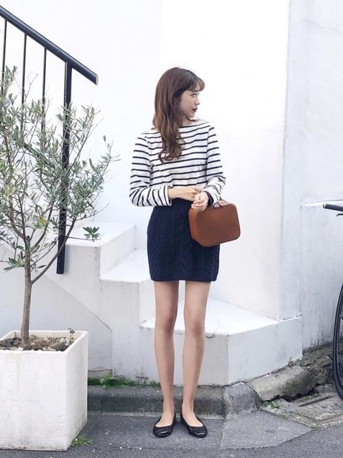 30代におすすめ【柄トップス×ミニスカート】 ブラック