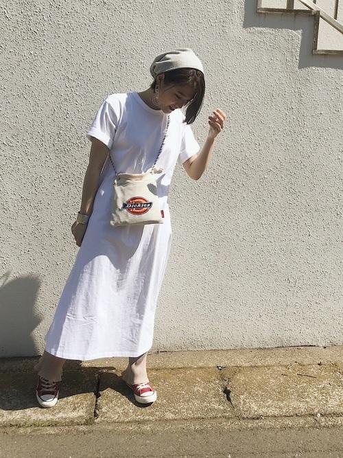 【白ニット帽】×Tシャツワンピース