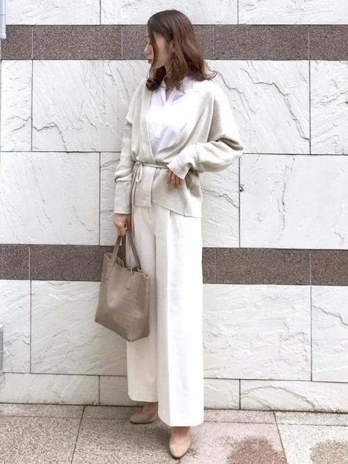 ユニクロのスキッパーシャツコーデ オールホワイト