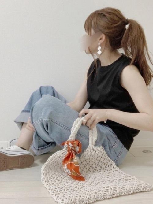 水色ボトムス(パンツ)×黒トップス2