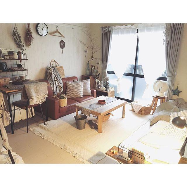 部屋のナチュラルな雰囲気とソファを合わせて2