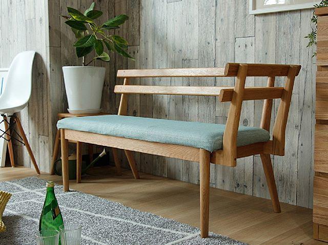 シンプルな部屋にぴったりのソファ2